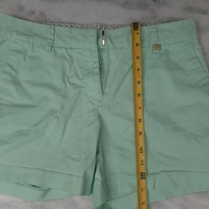Nautica mint shorts size 8  Cotton